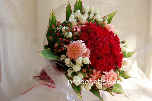 赤い薔薇とピンクのガーベラ ドイツマイスターの花束専門店